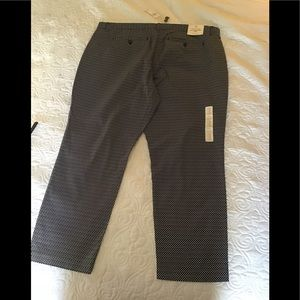 Gap slim crop khakis size 18